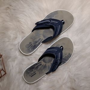 Clark's Collection Memory Foam Thong Sandals